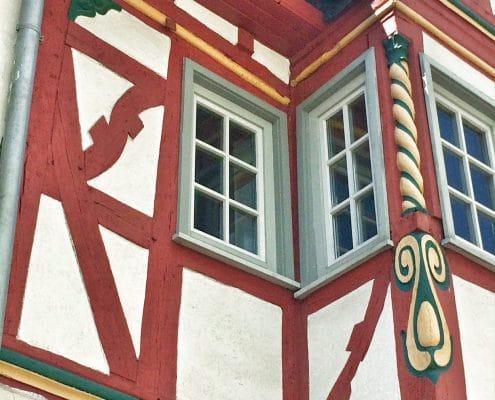 Weilburg, Eckverzierung am Fachwerkhaus in der Langgasse
