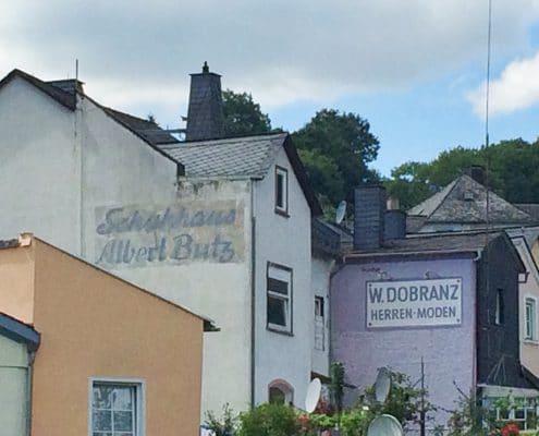 Weilburg, Alte Fassadenwerbung in der Niedergasse