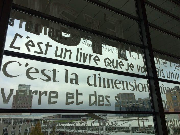 Buchmesse 2017: Beschriftung am Fenster, Halle 1.1
