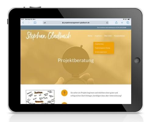 Webdesign für Projektmanagement Gladbach: Darstellung auf Tablet